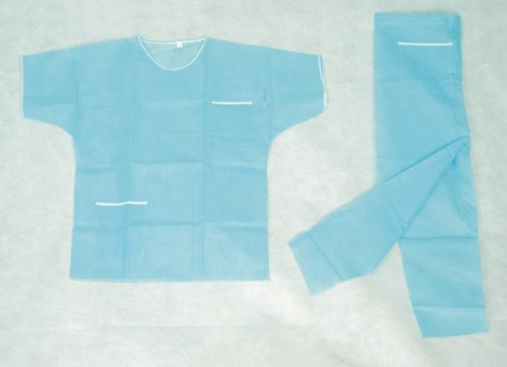 Disposable Scrub Suits Nonwoven For Spa , Disposable Medical Protective Clothing