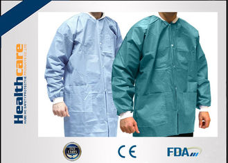 China ISO CE FDA Breathable Disposable Lab Coats Medical Scrubs Lightweight With Knitted Collar supplier