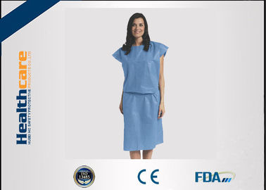 China Short Sleeve Disposable Isolation Gowns Non Woven Heavy Blue Medline Gowns Anti Permeate supplier