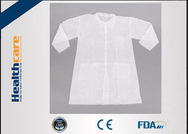 Long Sleeve PP Disposable Lab Coats Medical Gowns Fluid Resistant Single Use